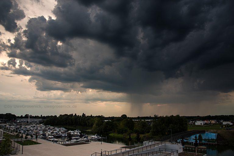 Unwetter am Hafen in Werder/Havel